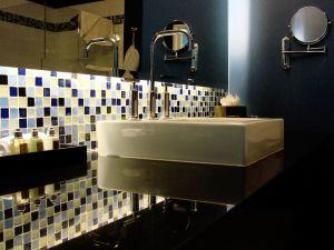 1079489_modern_bathroom_jpg