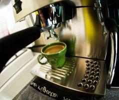 Co w wyposażeniu kuchni? – ekspres do kawy