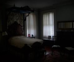 Sypialnia w stylu brytyjskich kolonistów