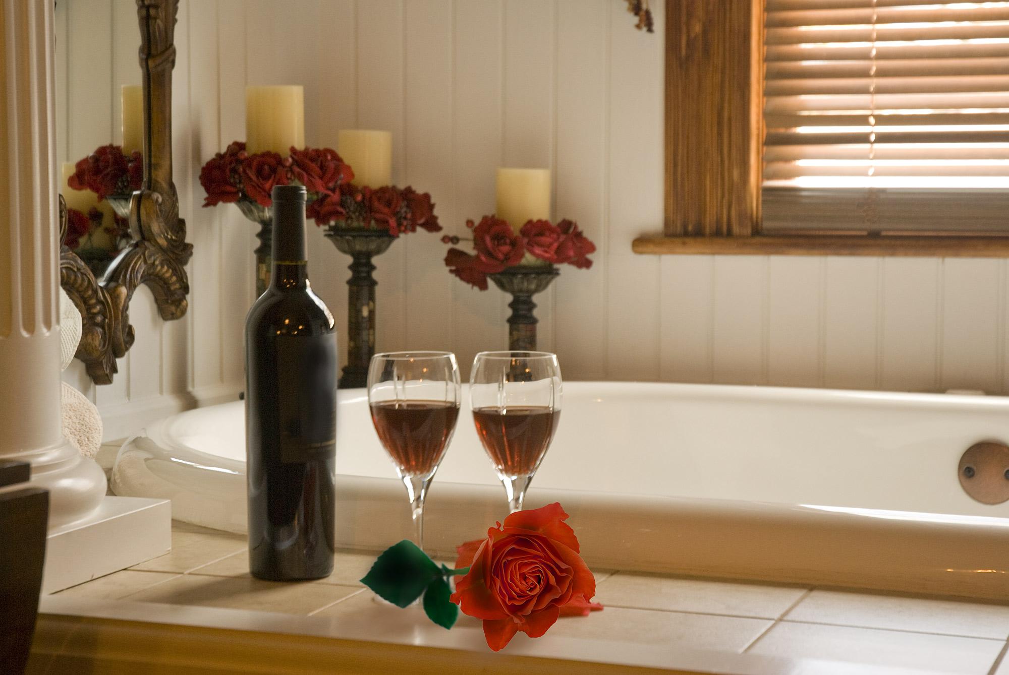 Łazienka: relaksująca kąpiel czy szybki prysznic?
