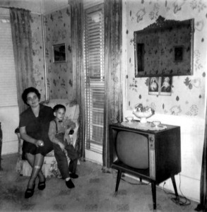 Stare telewizory pełniły też funkcję mebli