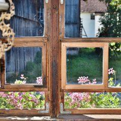 Najlepsze sposoby na ozdobę okna