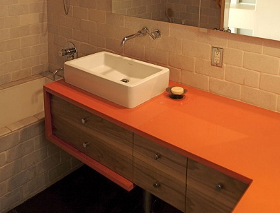 Jakie wyzwanie niesie za sobą wybór blatu łazienkowego?